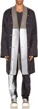 Quilted Parka Liner in Black,Metallic