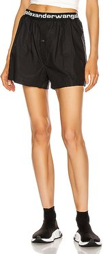 Pull On Logo Pleated Short in Black