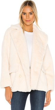 Solid Kate Faux Fur Coat in Ivory. - size M (also in L)