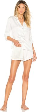 Long Sleeve Piping PJ Set in White. - size L (also in M)