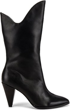 Pinnacle Leather Boot in Black. - size 36 (also in 38)