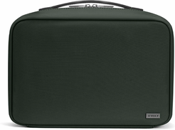 The Hanging Toiletry Bag in Green