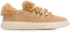 faux-fur trimmed sneakers - Neutrals