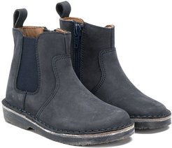 distressed Chelsea boots - Grey