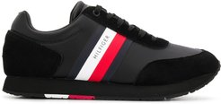 Corporate Flag running sneakers - Black