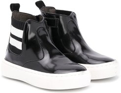 pull-on chelsea boots - Black