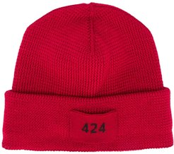 logo patch beanie hat - Red