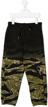 tie-dye camouflage print track trousers - Black