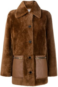 buttoned-up shearling coat - Brown