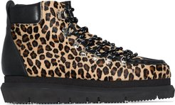 leopard-print hiking boots - Black