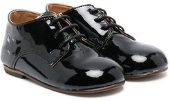lace-up patent leather brogues - Black