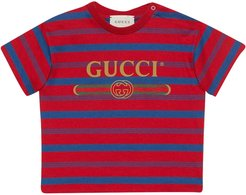 T-shirt With Red And Blue Stripes