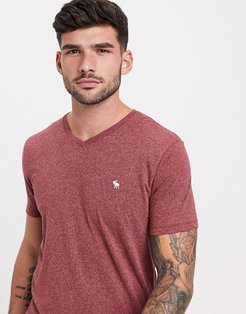 icon logo v neck t-shirt in red