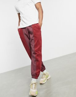 sweatpants in red