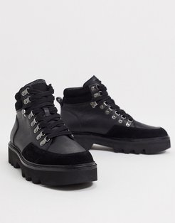 lodge hiker boots in black