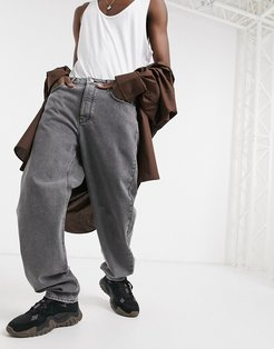 baggy jeans in mid wash gray-Grey