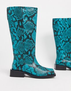 Charly premium leather trucker knee boots in blue snake