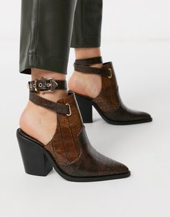 Erase western cut out boots in brown