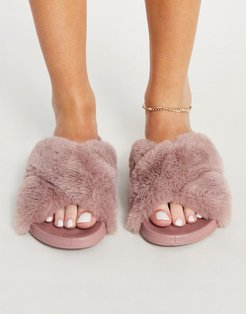 Fiona fluffy crossover sliders in dusty pink