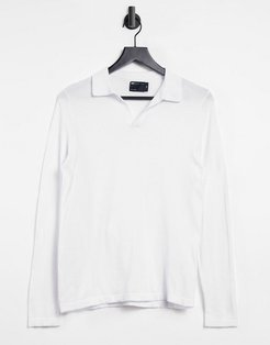 knitted muscle fit polo with revere collar in white