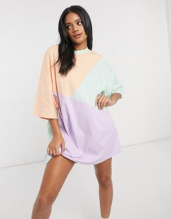 oversized T-shirt dress with cut-about pastel color-block-Multi