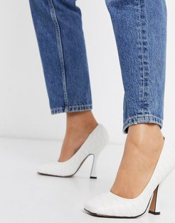Prestige quilted pumps in white