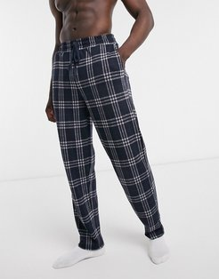 set lounge bottoms in navy plaid