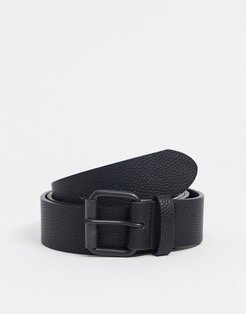 wide belt in black faux leather with matte black roller buckle