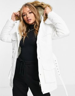 pam pocketed coat with faux fur trim hood-White