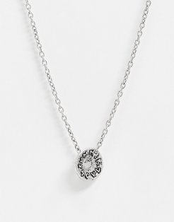 neckchain in silver with coin pendant
