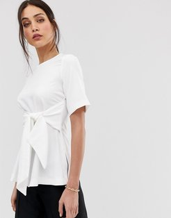 wrap front top in white