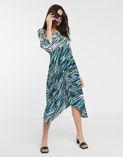 Closet wrap midi dress with puff sleeves in mixed print-Green
