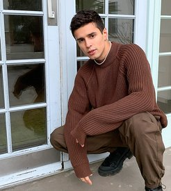 ribbed sweater with raglan sleeve in brown