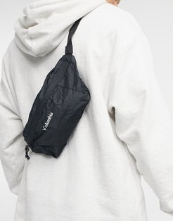 lightweight packable fanny pack in black