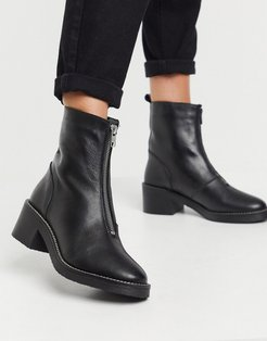 chunky center zip boots in black leather