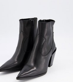 wide fit pointed western boots in black leather
