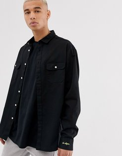 shirt with chest pockets in black