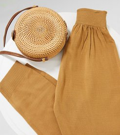 knitted rib jogger in camel-Brown