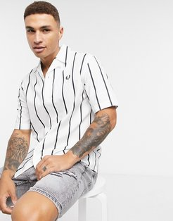 short sleeve camp collar striped shirt in white