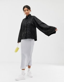 oversized shirt with volume sleeves in tonal zebra print-Black