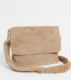 Exclusive faux fur cross body bag in camel-Beige