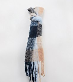 Exclusive oversized scarf in tonal camel check-Beige