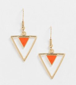 Exclusive triangle earrings with enamel drop in gold