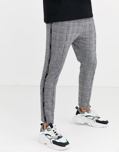 skinny pants in gray prince of wales check