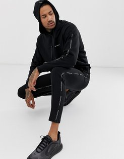 sweatpants in black with logo side taping