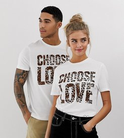 Choose Love t-shirt in white organic cotton with leopard print