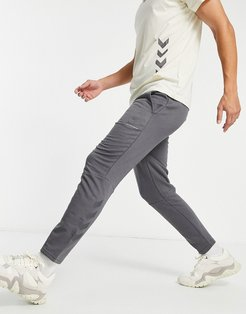 Isam tapered pants in magnet-Grey