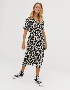 shirred sleeve midi dress with button front in leopard print-Brown