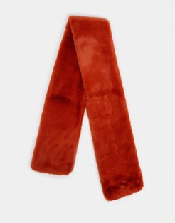 long faux-fur scarf in rust-Red