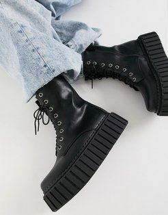 chunky creeper boots in black